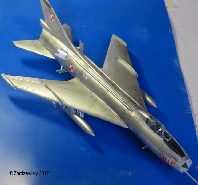 Sukhoi Su-7 [SMER 1/48] - Terminé Img_7616