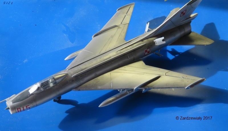 Sukhoi Su-7 [SMER 1/48] - Terminé Img_7617
