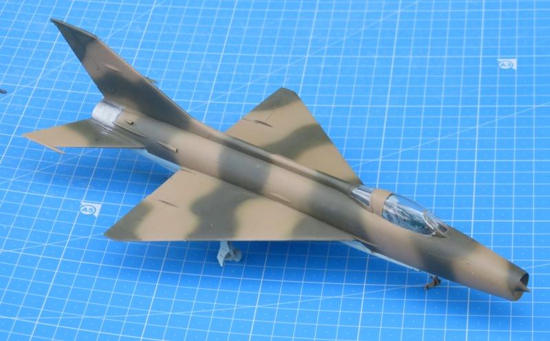 MiG-21F-13 [TRUMPETER 1/48] : Résurrection partie 1 Img_7717