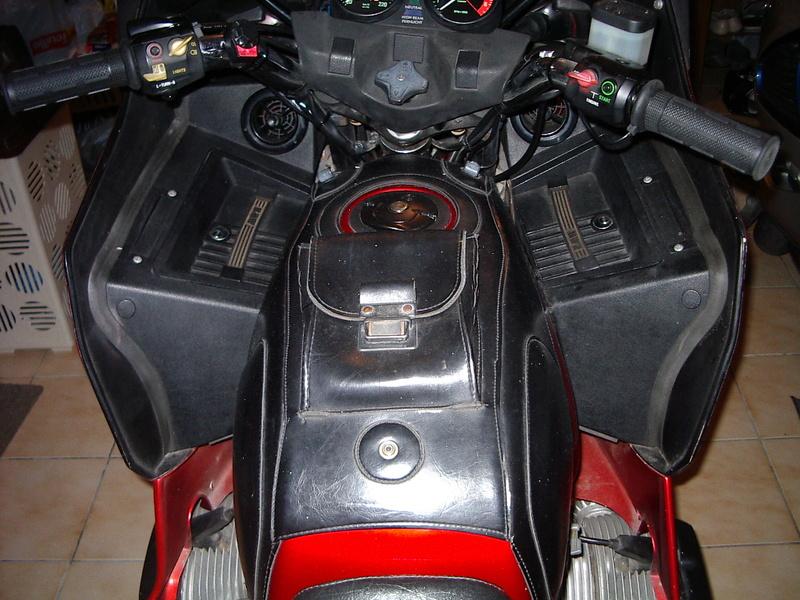 Couvre réservoir R90S 80rt410