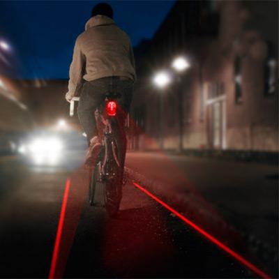 Eclairage vélo arrière ingénieux  Feu-ve10