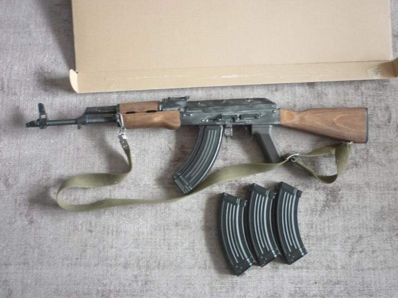 AKM 100€ / GPB Coyote 5€ P1030024