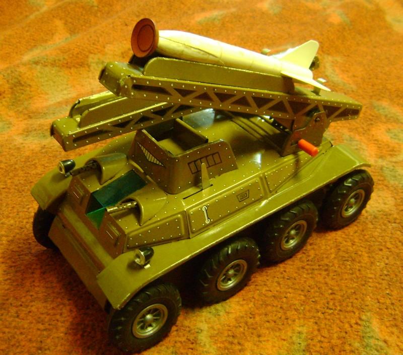 Les jouets militaires en tôle, plastique ou bois. - Page 3 Dsc02580