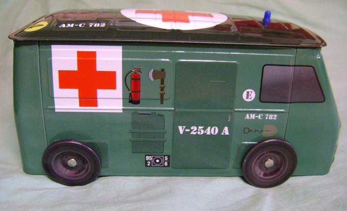 Les jouets militaires en tôle, plastique ou bois. - Page 3 Dsc02914