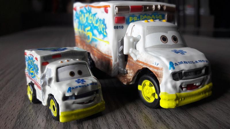 """Mini Racers Diecast : """" Le côté Miniature de la Force """" 20171133"""
