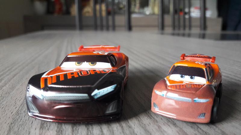 """Mini Racers Diecast : """" Le côté Miniature de la Force """" 20171135"""