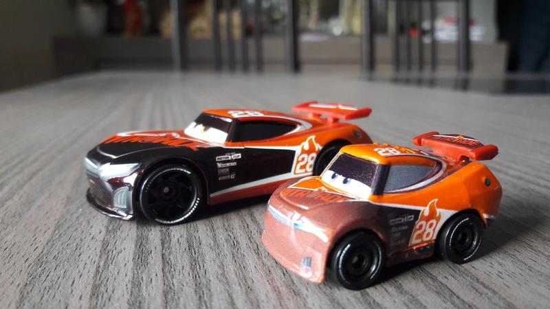 """Mini Racers Diecast : """" Le côté Miniature de la Force """" 20171139"""