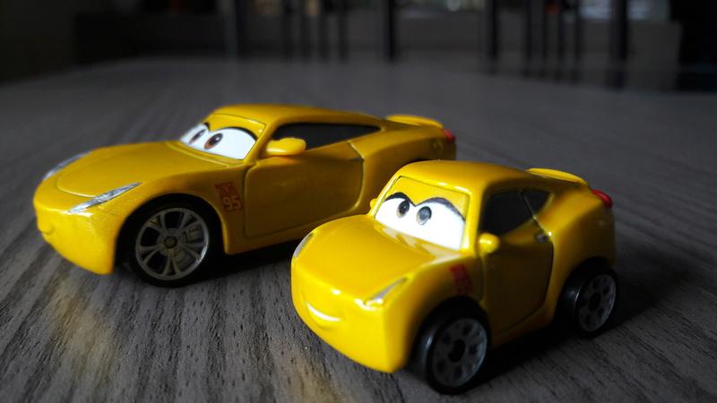 """Mini Racers Diecast : """" Le côté Miniature de la Force """" 20171147"""