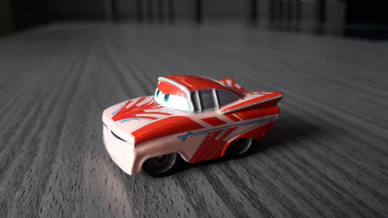 """Mini Racers Diecast : """" Le côté Miniature de la Force """" 20171155"""