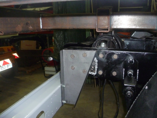 mon futur Camping car unimog 2450  - Page 6 Suppor10