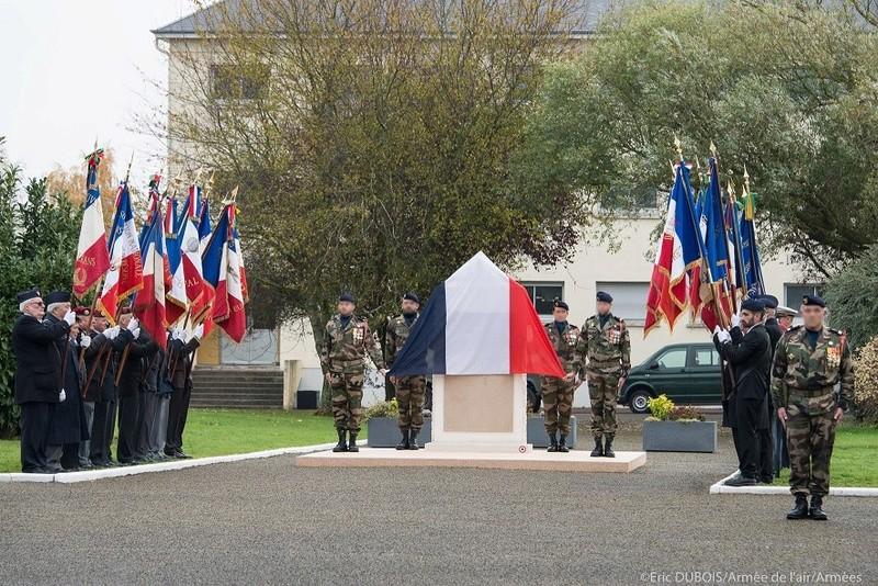 STELE DU CPA 10  Base d'Orléans-BRICY le 10.11.17 11010