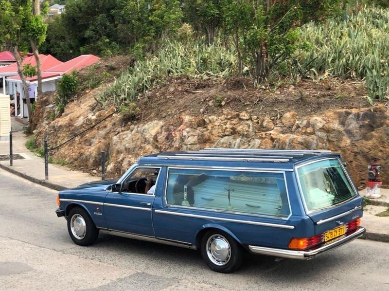 Enterrement de Johnny Hallyday : le chanteur a été inhumé 24993310