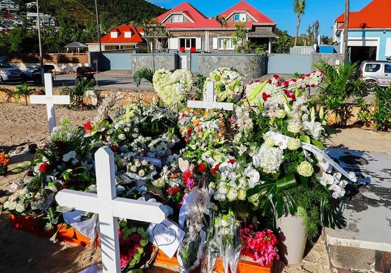 Enterrement de Johnny Hallyday : le chanteur a été inhumé 24993610