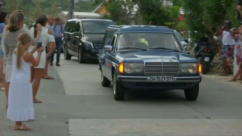 Enterrement de Johnny Hallyday : le chanteur a été inhumé Aa04b210