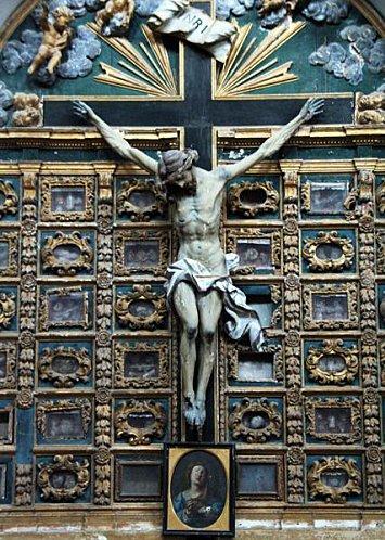 Crucifix 592h4-10