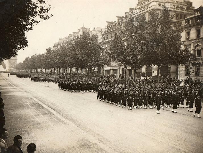 [ École des Mousses ] DOURDY - NOSTALGIE - Page 2 Paris_10