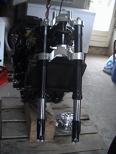 Fourche R1 ou 1100  gsxr Dsc00018