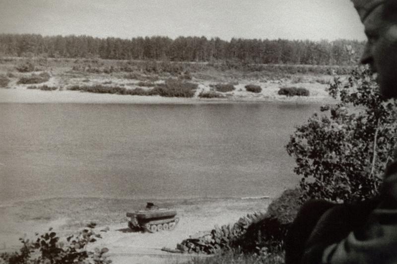 Sdkfz 300 (Borgward BI-BII) 49811610