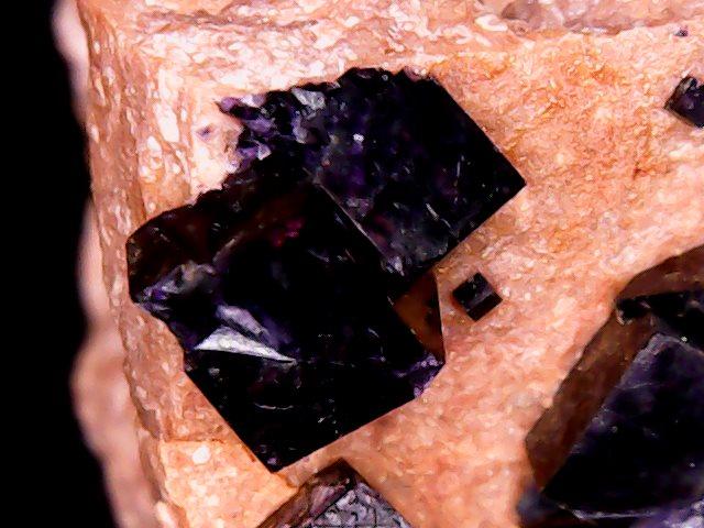 frejus var france ANTOZONITE (fluorite irradiee) Antozo10