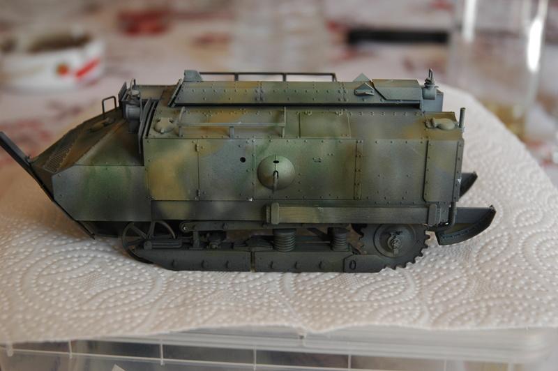 Le Schneider Ca Armored de Hobby Boss au 1/35ème Dsc_0011