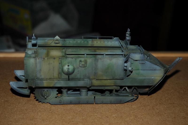 Le Schneider Ca Armored de Hobby Boss au 1/35ème Dsc_0015