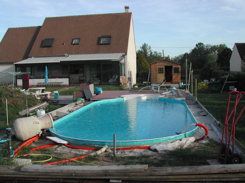 remblai autour de la piscine avant pose liner Dscn1610