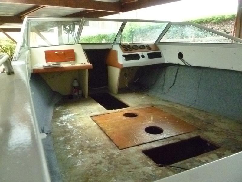 Démontage d'un bateau a moteur et réfection totale - Page 2 P1050812