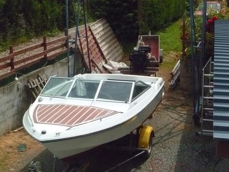 Démontage d'un bateau a moteur et réfection totale - Page 2 P1050816