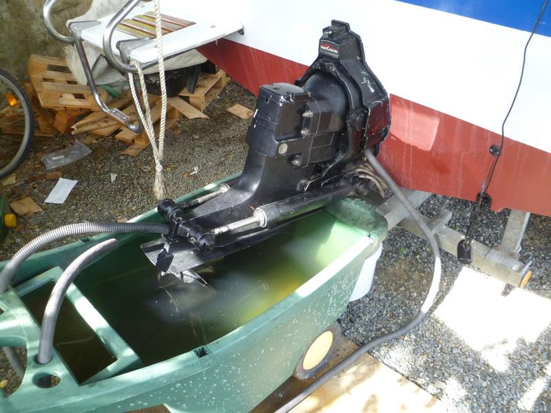 Démontage d'un bateau a moteur et réfection totale - Page 2 P1050924