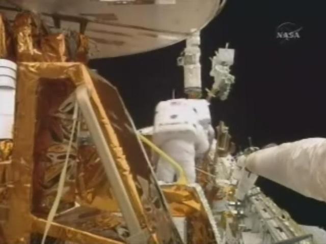 [STS-125] EVA - 2 0212