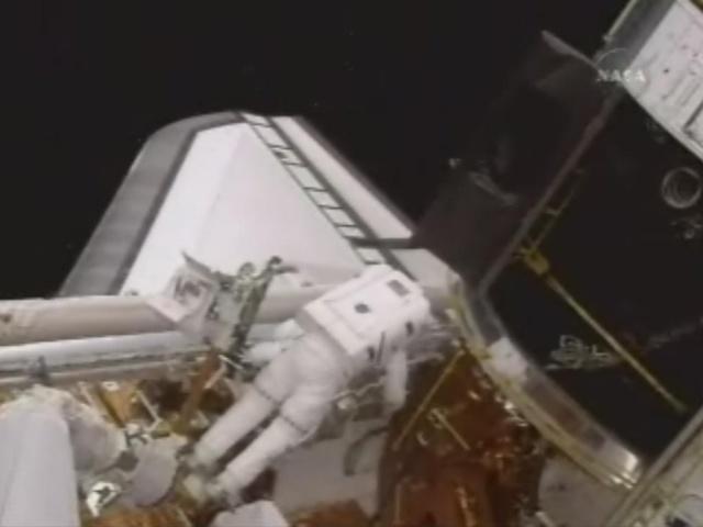 [STS-125] EVA - 2 0412