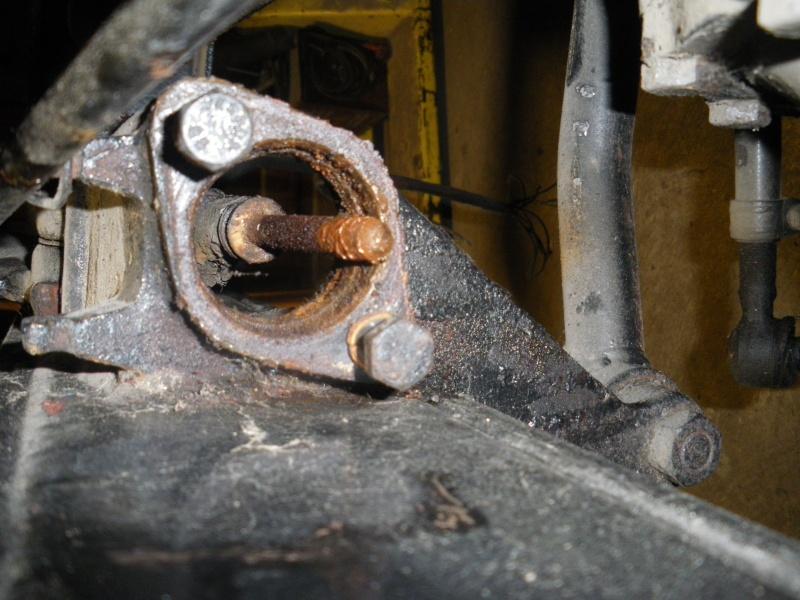 U411 - démontage maitre cylindre 2010-042