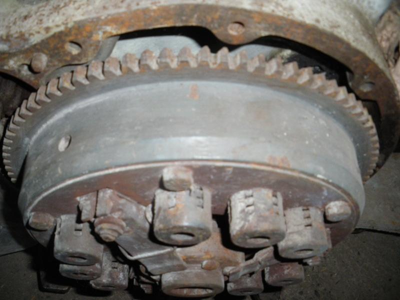 OM636 arrêtoirs de vis de fixation de la roue dentée d'embrayage 2010-123