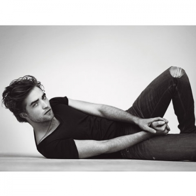Robert Pattinson Official Gallery 2ufsg110