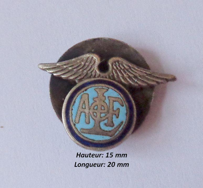 identification de trois insignes  Dsc02220