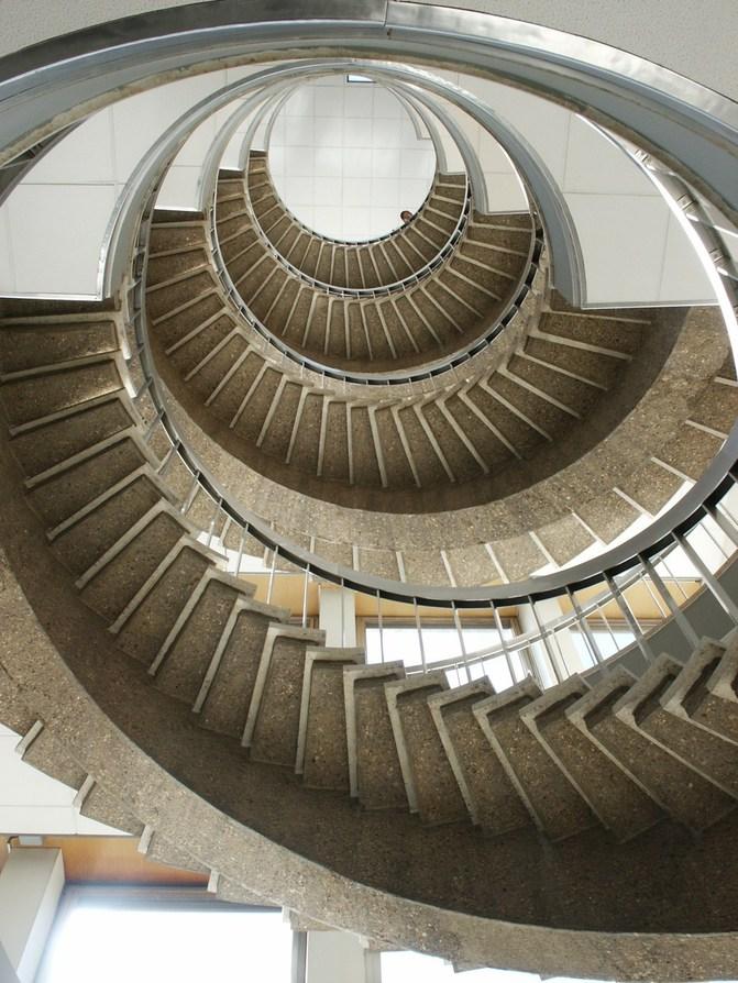 Les escaliers du monde (sujet participatif) - Page 5 10005010
