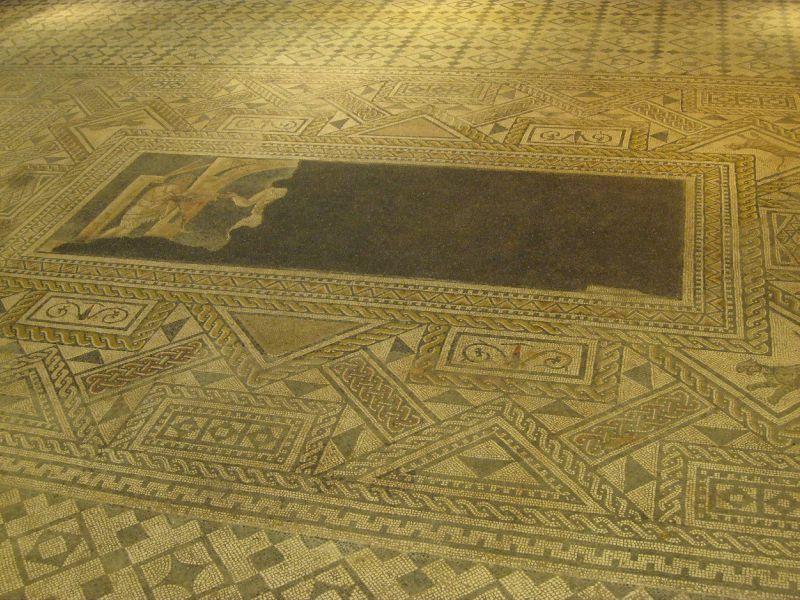 A la découverte de nos chefs d'œuvre d'art et d'histoire... - Page 7 74686610