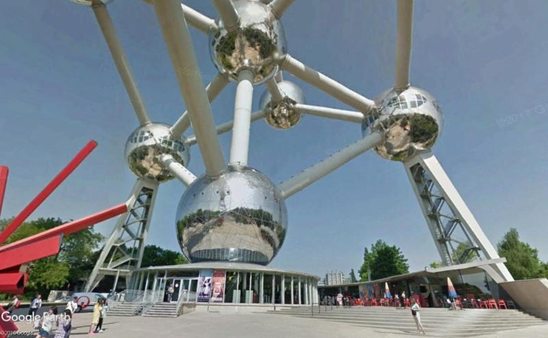 Street View : La Belgique : Pays du surréalisme - Page 3 Atomiu11