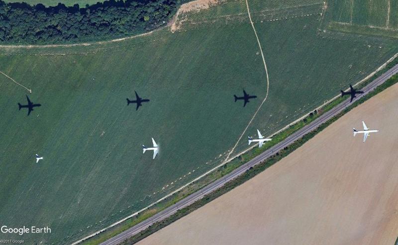 Comment les satellites prennent leurs images? Aéroport de Roissy (France) Avion110