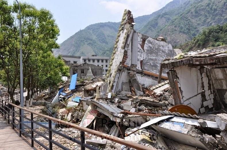 Monuments et mémoriaux rappelant un tremblement de terre Beichu13