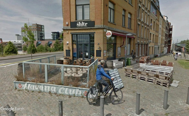 Lieux de tournage de vidéo-clip découverts avec Google Earth - Page 3 Cafy10