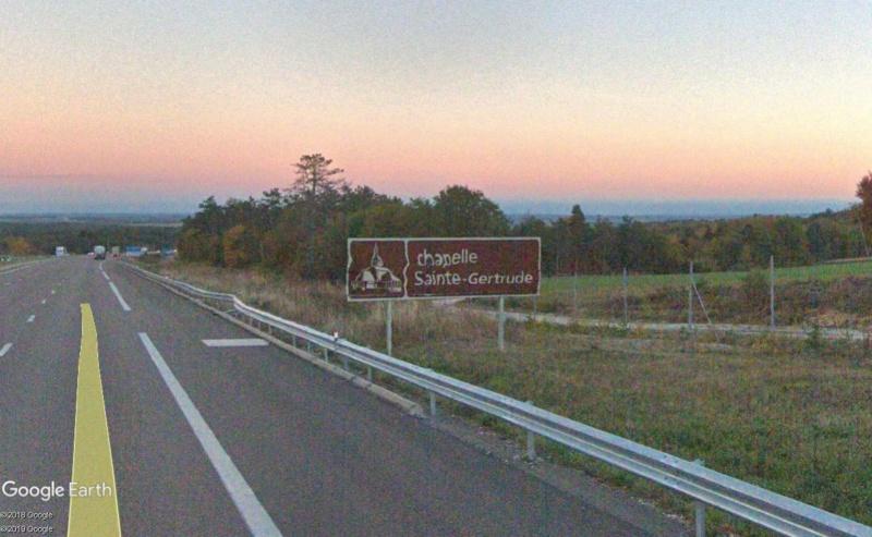 Panneaux touristiques d'autoroute (topic touristique) - Page 4 Chapel26