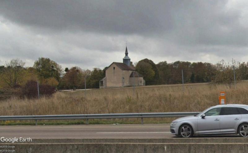 Panneaux touristiques d'autoroute (topic touristique) - Page 4 Chapel27