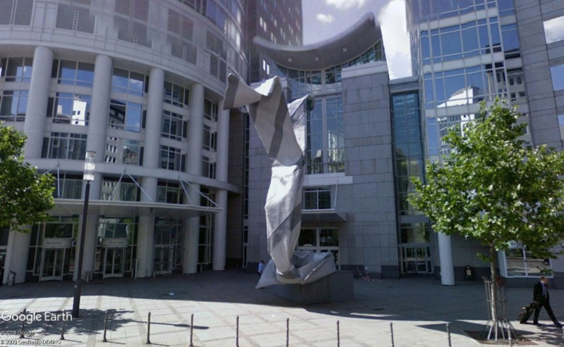 Claes Oldenburg, artiste ou pas? Cravat10