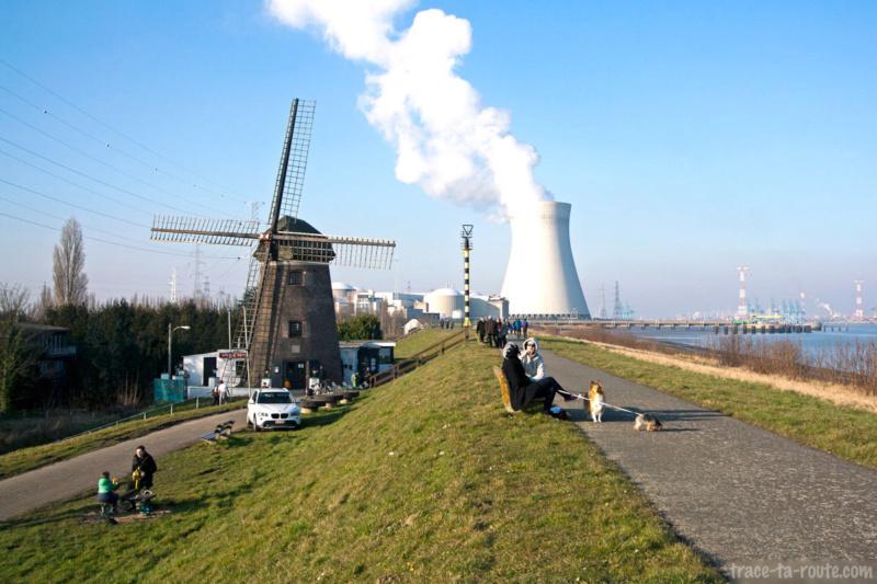 100 lieux à voir en Belgique - Page 2 Doel-b10