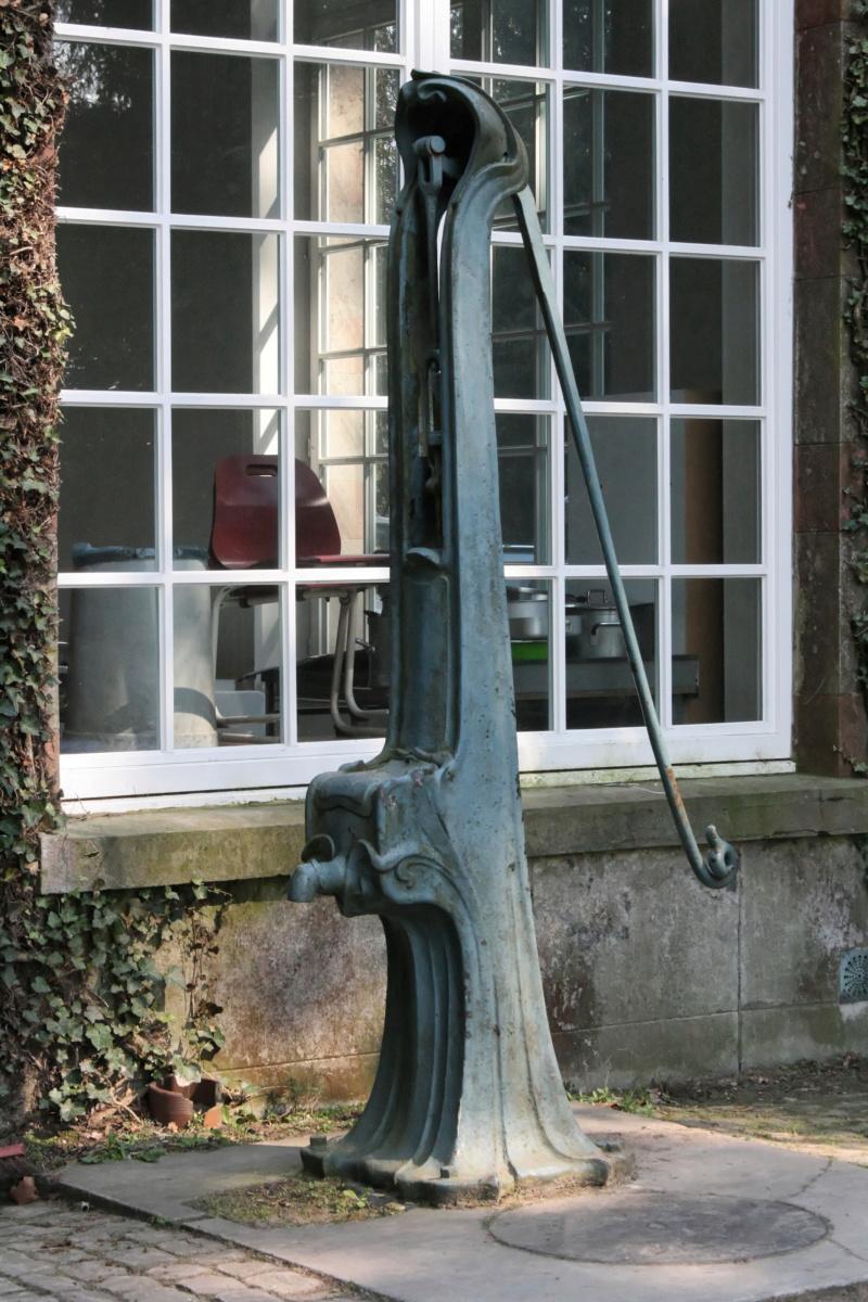 Street View: Les étrangetés du patrimoine wallon. - Page 2 Domain10