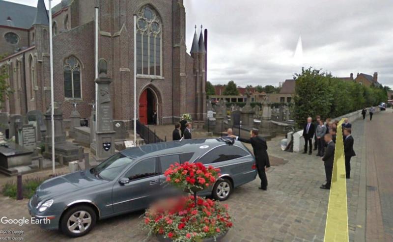Street View : c'était peut-être pas le moment de passer là... Enterr11