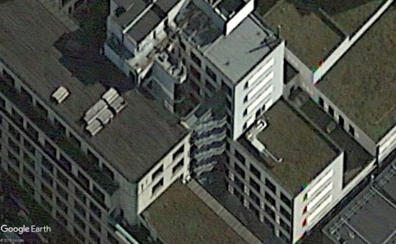 Lieux de tournage de vidéo-clip découverts avec Google Earth - Page 6 Escali10