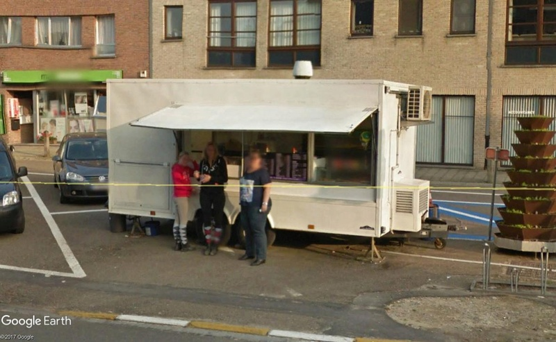 Street View : les belgicismes illustrés - Page 5 Fritko10