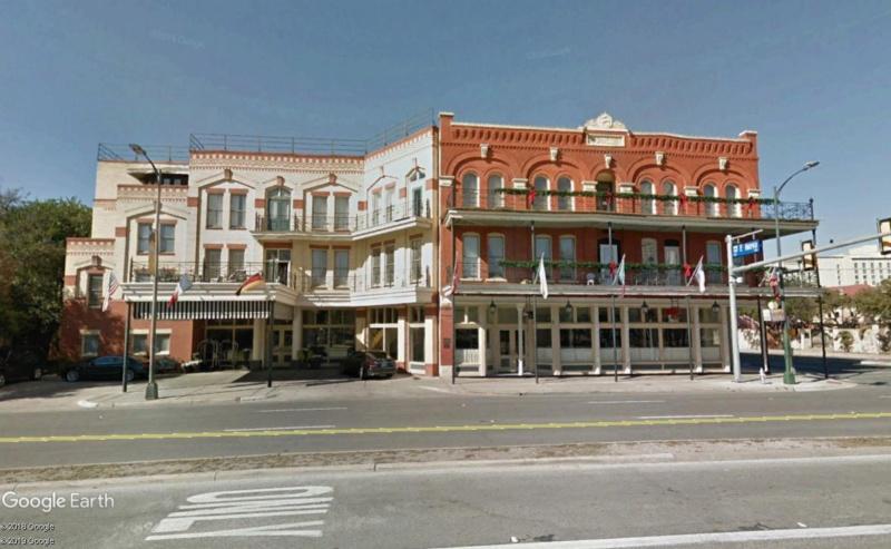 Street View: Bâtiments déplacés Hotel110